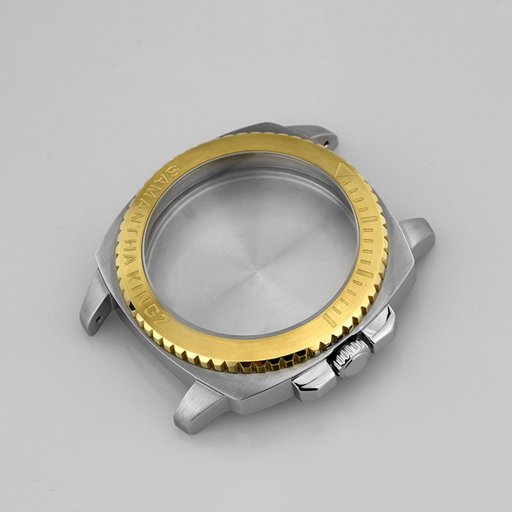 Two-Tone Metal Watch Case with Rotating Bezel