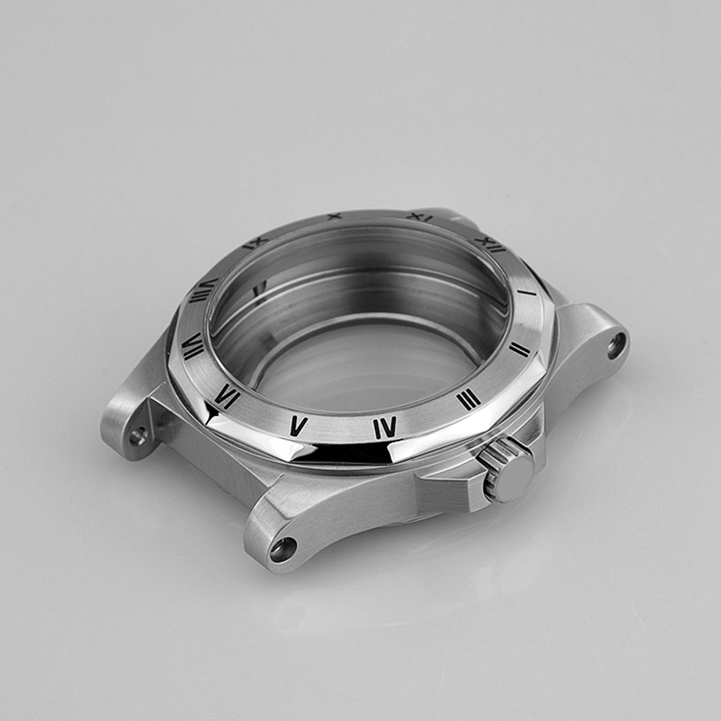 WC031 Round Stainless-Steel Watch Case with Screw Detail